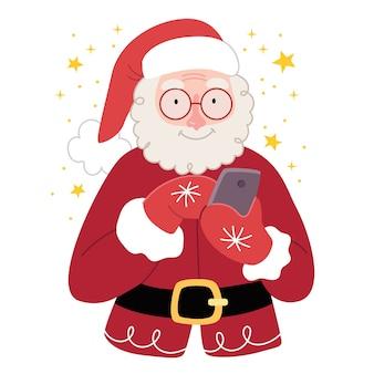 Веселый санта-клаус смотрит на телефон. концепция новогодних подарков онлайн.