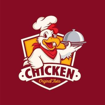 濃い赤で隔離の鶏のマスコットのロゴ