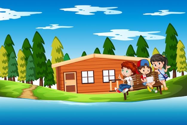 Дети в летнем домике