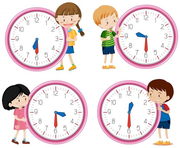 Дети держат часы на белом фоне