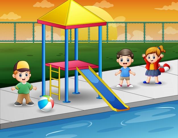 야외 수영장에서 노는 아이들 프리미엄 벡터