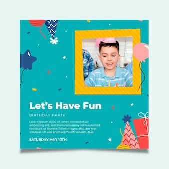 Modello di volantino quadrato compleanno per bambini