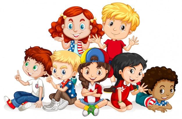 Дети с счастливым лицом сидят вместе