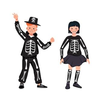 Чайлдс в костюмах скелета с костями на праздник хэллоуин мальчик и девочка в маскарадных костюмах и ч.