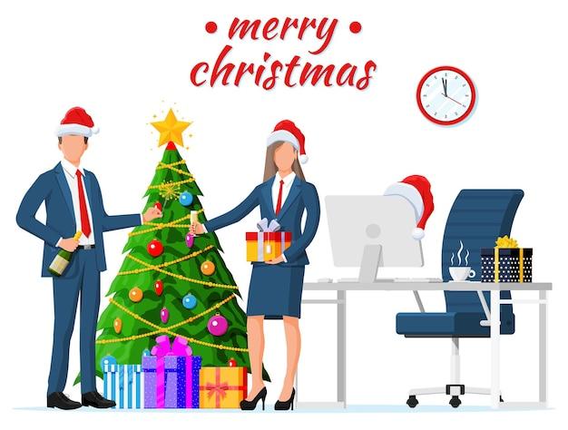 크리스마스와 새해 사무실 책상 작업 공간 인테리어. 선물 상자, 크리스마스 트리, 의자, 컴퓨터 pc, 시계. 사업가. 새 해 장식입니다. 메리 크리스마스 크리스마스. 평면 벡터 일러스트 레이 션