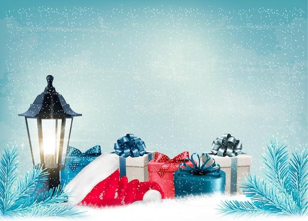 Новогодний фон с фонарем и подарками.