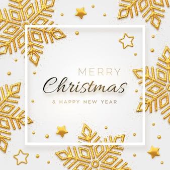 Новогодний фон с сияющими золотыми снежинками, звездами и бусами. с рождеством христовым поздравительная открытка.