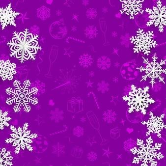 크리스마스 기호의 보라색 배경에 종이에서 잘라낸 눈송이와 크리스마스 배경