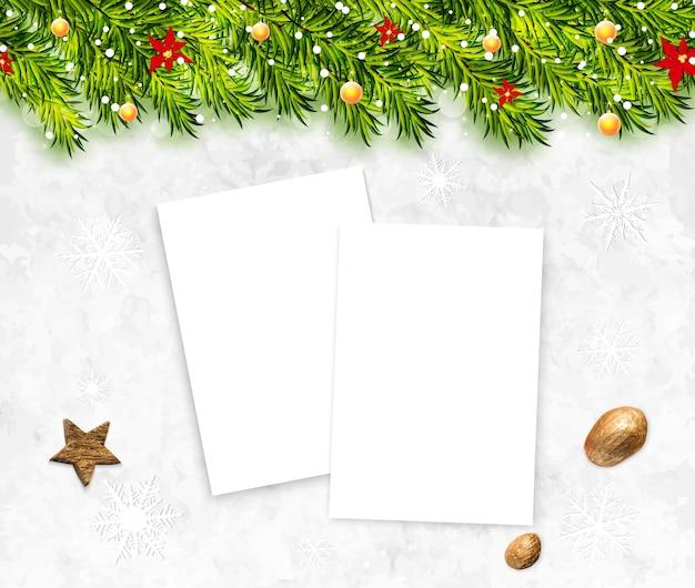 白い空白の紙とクリスマスの背景