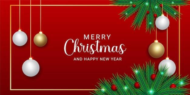 빨간색과 흰색 공 황금 freme 빨간색 배경으로 크리스마스 배너 녹색 잎
