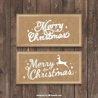 재활용 된 종이 배경에서 크리스마스 카드