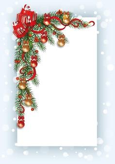 赤い果実で飾られた松の木の枝の角の境界線を持つクリスマスカードテンプレート