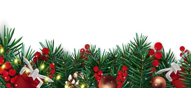 소나무 콘 가지와 크리스마스 장식 조명 붉은 열매 소나무 콘 및 현재