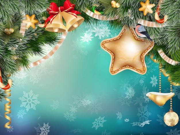 青いピンぼけにモミの枝でクリスマスの装飾。