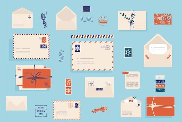 Рождественский конверт с милыми марками.