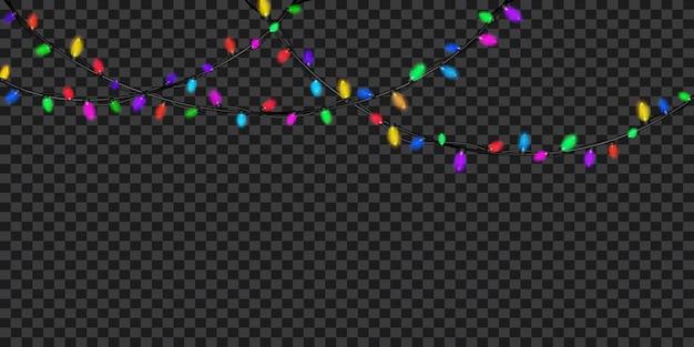 クリスマスのお祝いの装飾、透明な背景に分離された色付きの半透明のフェアリーライト。ベクターファイルのみの透明度