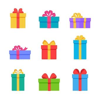 クリスマスギフトボックス。リボンのリボンで飾られたギフトボックスは、お互いに特別な瞬間を与えます。