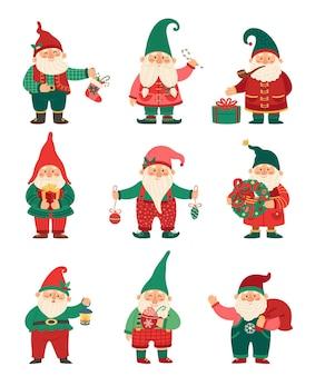 クリスマスは冬の休日の要素の文字セットでかわいい小人をノームします