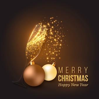 シャンパンのスプラッシュ、透明なガラス、白熱灯、安物の宝石と黄金のクリスマスの装飾。