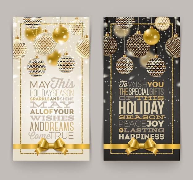 Рождественская открытка с типографским дизайном и декоративными рождественскими шарами.