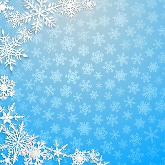 Рождественская иллюстрация с полукругом из больших белых снежинок с тенями на голубом фоне