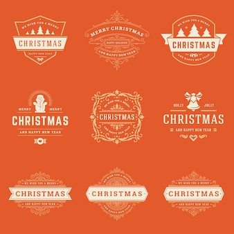 クリスマスのラベルとバッジの要素を設定します。メリークリスマスと新年あけましておめでとうございますは、グリーティングカードのヴィンテージの装飾品のためのレトロなタイポグラフィ装飾オブジェクトを望みます。
