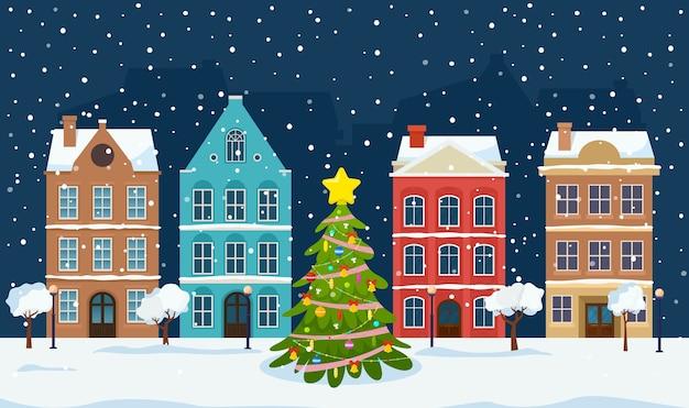 Рождественский пейзаж с ночным старым городом и рождественской елкой.