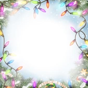 白い背景で隔離のクリスマスライト。