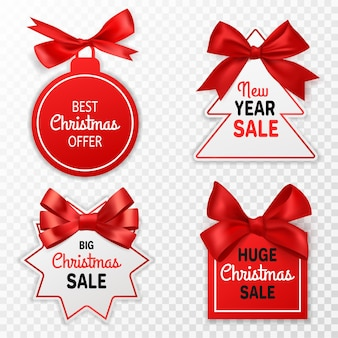 Рождественские продажи этикеток. праздничные ценники со скидкой с красными бантами, рождественское предложение, рекламное маркетинговое зимнее мероприятие, вывески или вектор купона, изолированные на прозрачном фоне