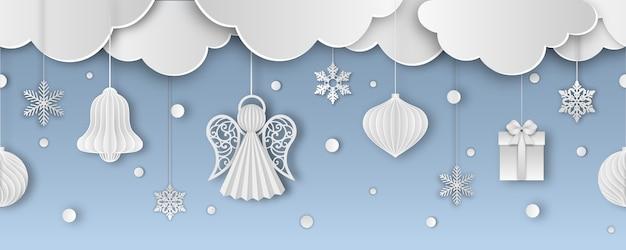 Рождественский бесшовный баннер с бумажными облаками, снежинками и украшениями