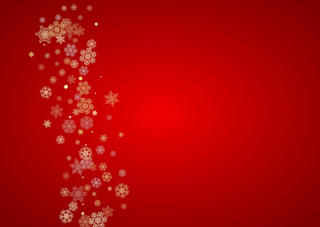 Рождественский снег на красном фоне. блестящая рамка для зимних баннеров, подарочный купон, ваучер, реклама, праздничное мероприятие. санта-клаус цвета с золотым рождественским снегом. горизонтально падающие снежинки на праздник