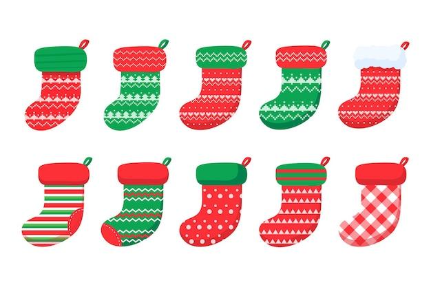 Рождественские носки. красные и зеленые носки с различными узорами для новогодних украшений.