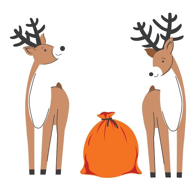 Празднование рождества и нового года. изолированные олени с большими рогами, глядя на красный мешок с подарками на рождество. рогатые животные, символизирующие зимние праздники и веселье. вектор в плоском стиле