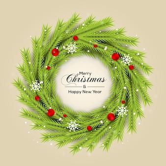 緑の松の葉と色のクリスマスボールとクリスマスリースの装飾