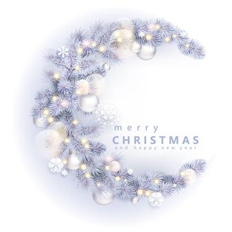 Рождественский венок с белой елью и шарами