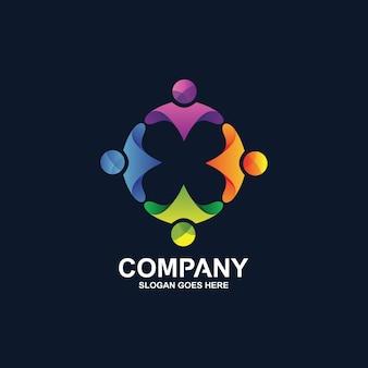 円形の人間のロゴ