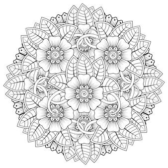 헤나 멘디 문신 장식용 꽃이 있는 만다라 형태의 원형 패턴