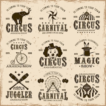 얼룩 및 grunge 텍스처와 더러운 배경에 빈티지 갈색 엠블럼, 라벨, 로고 및 인쇄상의 우표의 서커스 세트