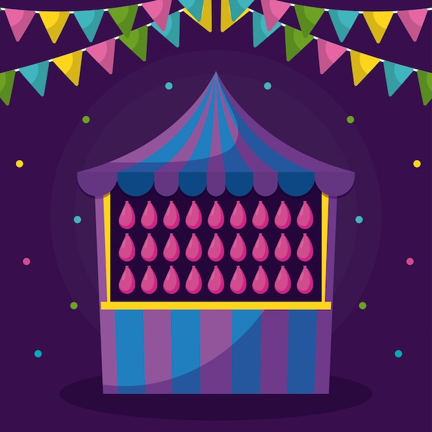 Цирковая палатка с дичью и гирляндами
