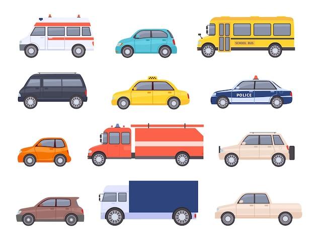 도시 교통 자동차. 도시 자동차 및 차량, 택시, 학교 버스, 구급차, 소방차, 경찰 및 픽업 트럭. 플랫 자동차 벡터 집합입니다. 응급 처치 운송을 위한 격리된 공공 차량