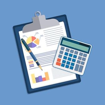 財務報告とペンを使用してクリップボード。