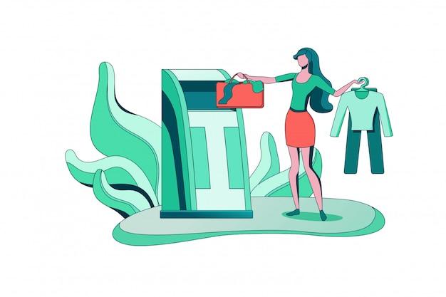 Концепция утилизации одежды, девушка кладет сумку в контейнер