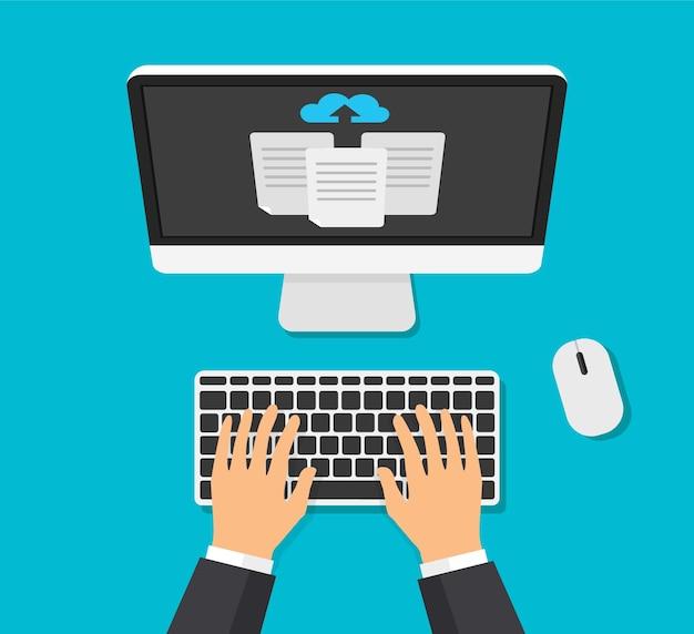 クラウドストレージの概念。ビジネスマンは、ラップトップのクラウドストレージにファイルをアップロードします。ダウンロードプロセス。上面図。