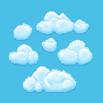 Небо с облаками пиксель арт. cloudscape фон для ретро игры.