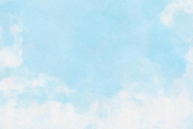 曇りの青い空を背景