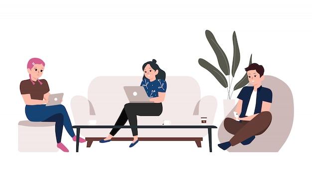 コワーキングスペースとフリーランサーの概念図。現代の共有オフィス職場でラップトップ、スマートフォン、タブレットに取り組んでいる若者