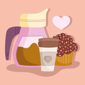 커피 컵과 컵 케이크