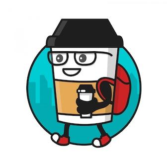 歩いてコーヒー紙コップとコーヒーカップのキャラクター。ロゴテンプレート、コーヒーストリートショップのバッジ