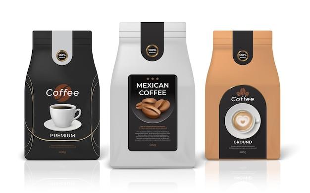 コーヒーパッケージのモックアップ。ブランドアイデンティティのデザイン、黒白と茶色の紙のジッパーパッケージを備えたリアルなフードパックのモックアップ。ベクトルセットエンブレム