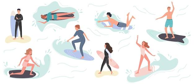 Collezione di simpatici surfisti in costume da bagno surf. surfisti con tavola da surf sulla spiaggia estiva e sull'onda del mare.